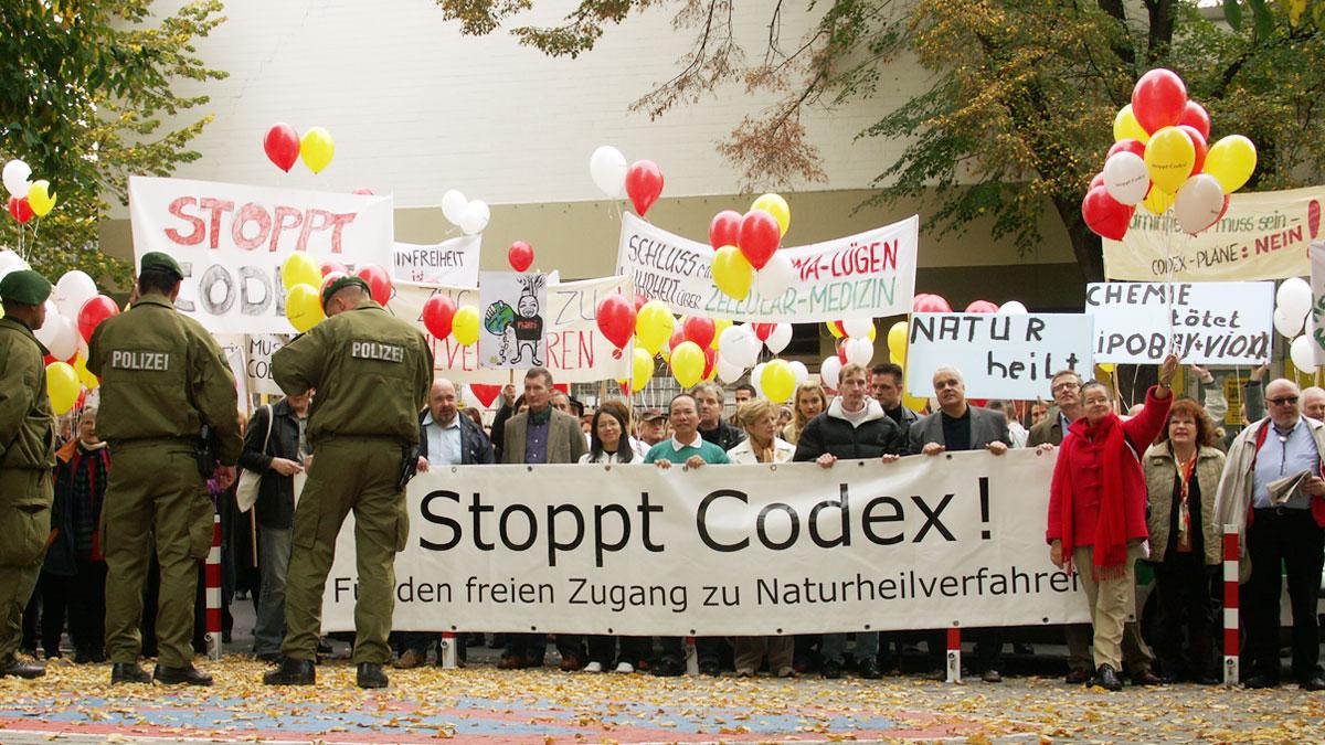 Codex-Bonn-2004-Polizei-Aufstellung